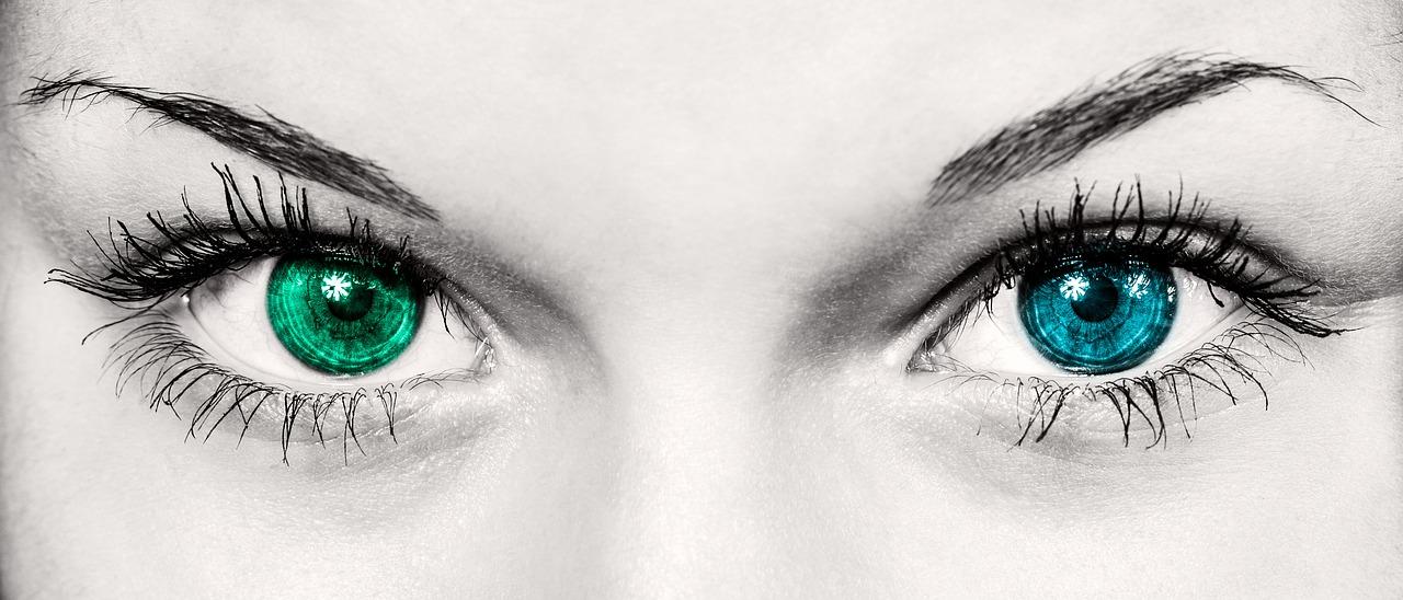 kolor oczu cechy charakteru