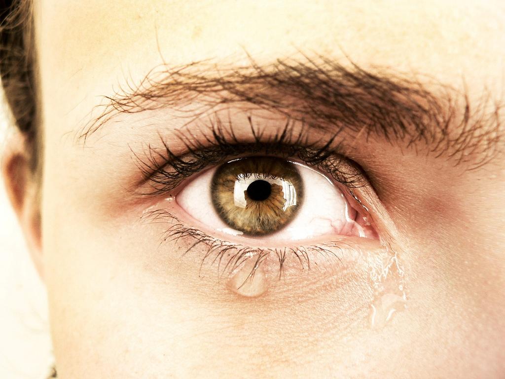 łzawienie oczu - przyczyny