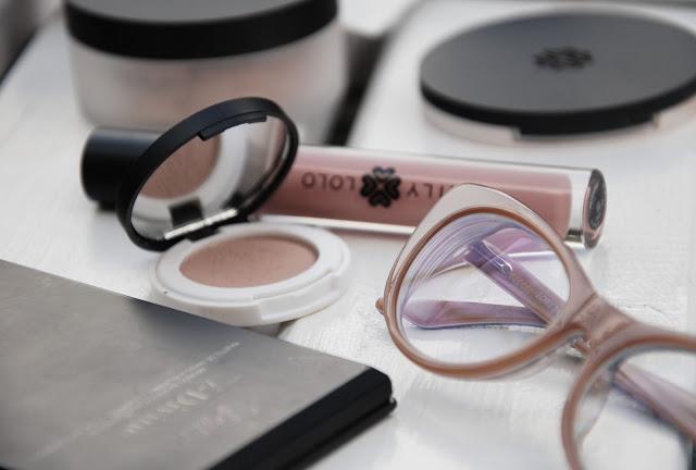 kosmetyki hipoalergiczne dla wrażliwych oczu