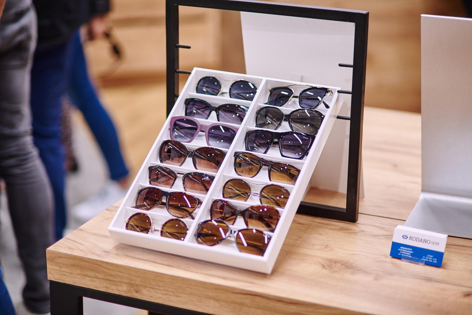 modne okulary przeciwsłoneczne - Kodano Optyk w C.H. Czyżyny